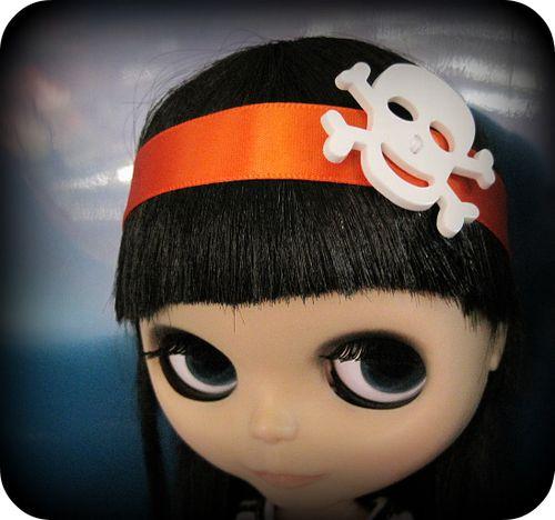 blythe wallpaper. Spooky skull Halloween headband for Blythe, US$4, by Cupcake Cozy.
