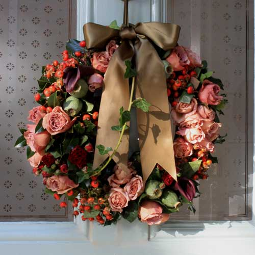 ANTIQUEROSEHIPWREATH