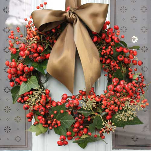 ROSEHIPWREATH